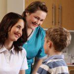 Fotografie Website Hautarzt Grimma, Patientengespräch